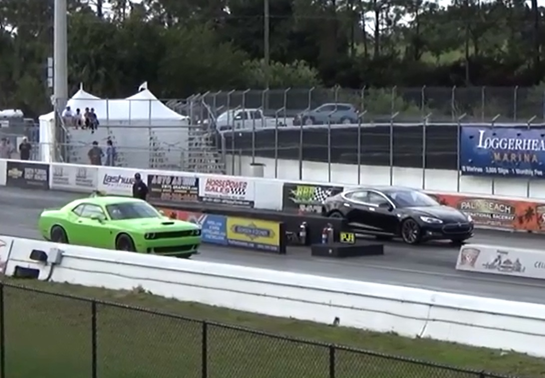 All Types challenger rt hp : Hellcat Challenger vs Tesla in 1/4 mile Race | Epic Speed