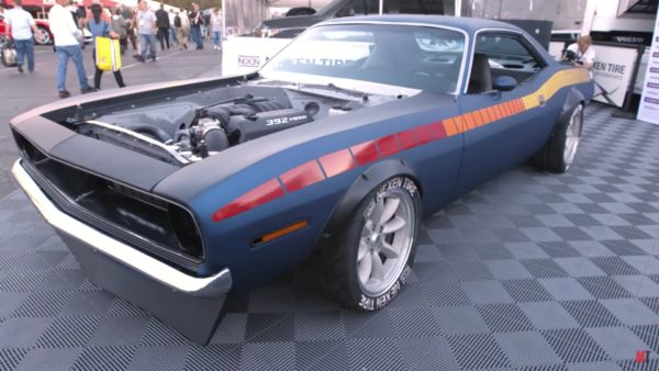 Hot Rod Garage Project FishTail, 1972 Drift `Cuda!